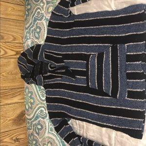 Sweaters - Drug rug/hoodie/poncho
